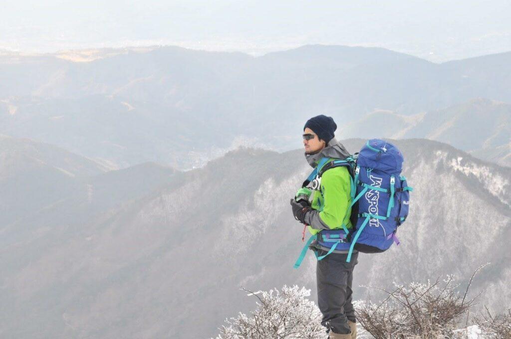 こちらは雪山の縦走登山の時